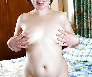 Short haired amateur model Skye T spreading her pink vagina