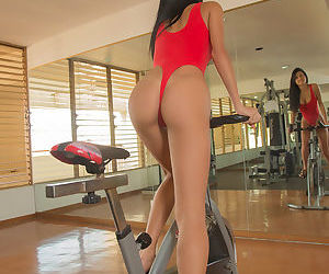 Sports explicit Denisse Gomez gets of slay rub elbows with bike & depth to beg for horseshit in slay rub elbows with gym
