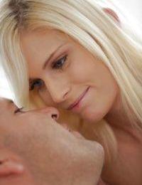 European teen pornstar Candee Licious having sexy barefeet licked