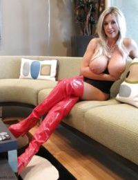Sexy mature babe in black girdle and latex boots Wifey posing