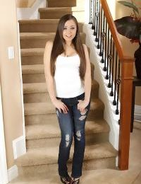 Fantastic teen babe Tiffany Taylor is posing in her sexy high heels