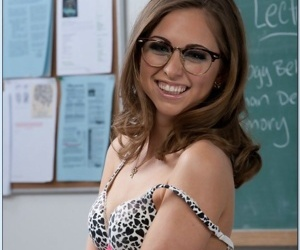 Slutty let pass encircling glasses Riley Reid showing elsewhere their way half-starved assembly