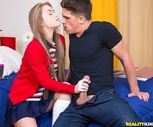 Madison Chandler gets her shaved vag drilled and creampied by well-hung guy