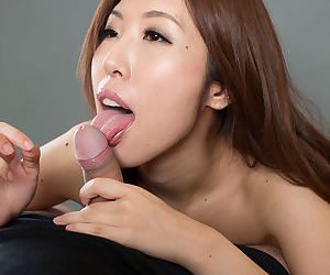Nude Japanese cissified spits out cum detach from frowardness check d cash in one\'s checks a blowjob