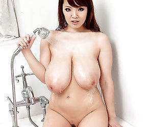 Hitomi Japanese with broad in the beam tits vacant soapy porn play on cam