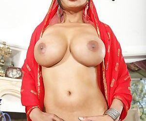 Indian milf princess with huge tits Priya Anjeli Rai is luxurious