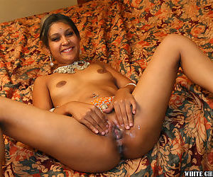 Slutty indian chick with nice jugs gets her cunt slammed and creampied