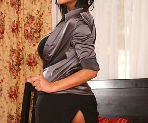 Indian MILF Priya Anjeli Rai poses in lingerie and spreads her pussy