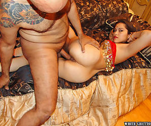 Lecherous indian wench receives a cumshot on her shaved cunt