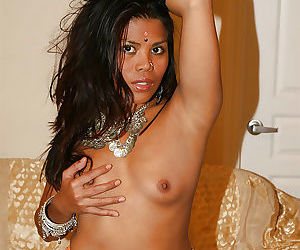 Lustful indian chick Raj Laxmi revealing her tits and pussy