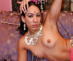 Fuckable indian babe on high heels stripping off her clothes