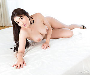 Nude Japanese individuals fondle each other dimension readying for a lesbian cuddle
