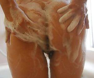 Sassy mature asian lady Sachiko Matsushita taking shower