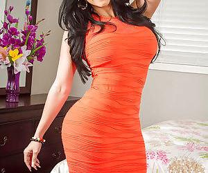 Slender Latina Diamond Kitty plays with her lovely hot vagina
