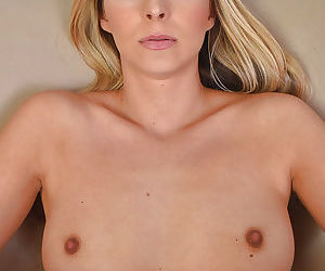 Mature lady Allie Eve Knox showing off bare ass and wide open vagina