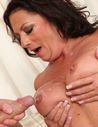 Lecherous mature slut gets her jugs glazed with jizz after tough twatting