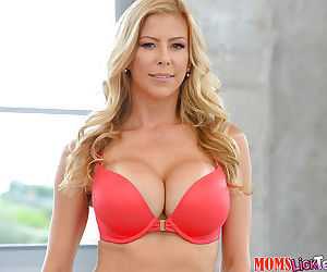 Sex blonde mom Alexis Fawx revealing fake tits and trimmed vagina