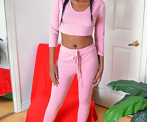 Amateur ebony chick Yara Skye sensual nudity and pussy posing
