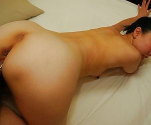 Asian MILF Naoko Yamaguchi gets fucked and takes a cumshot on her chin