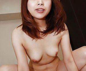 Mariko Miyazawa gives a blowjob and gets passionately fucked