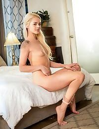 Glamour blonde angel Elsa Jean is in mood to boast of her amazing pink kitty