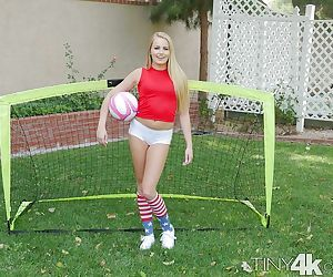 Sporty blonde doll Scarlett Sage premium nudity on the pitch