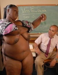 Obese black woman Sabrina taking cumshot on face after giving bj in class
