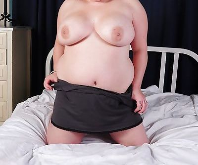 Fatty bitch with huge tits Star wants to show her awesome ass