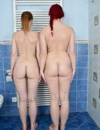 Mature lesbians Mischelle and Corazon Del Angel share double dildo