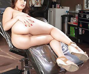 Amazing Latina babe Tori Avano demonstrates her sweet vagina!