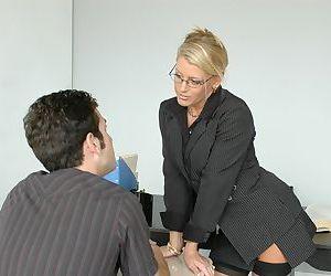 MILF teacher in glasses Chelsea Zinn seduces her student and fucking