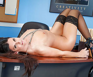 Skinny teacher India Summer is drilling her tight vagina on cam