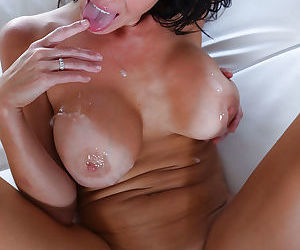 Young hotties Veronica Avluv and Ella Milano licking pussy and cock