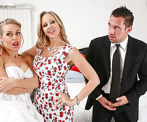 Groupsex party after wedding with sexy milfs Julia Ann and Nicole Aniston