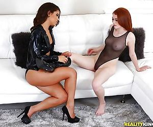Young interracial lesbian couple Gabriella Ford and Alice Green eating cunt
