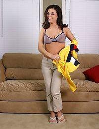 Amateur teen babe with big tits Marissa is hellishly beautiful teen