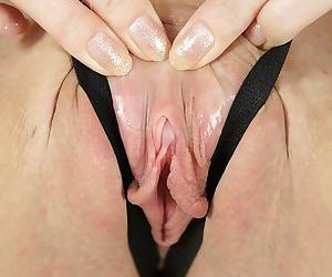 Dreamy sweet-heart Marshall demonstrates her sensitive vaginal flesh