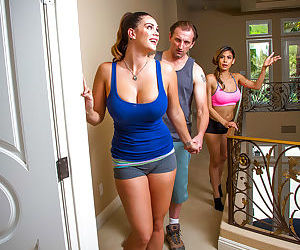 Alison Tyler and Heather Vahn are sucking this tasty prick on cam