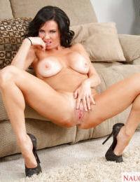 Slender brunette Veronica Avluv demonstrates her hot naked body