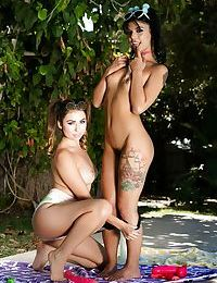 Hot sluts Melissa Moore & Gina Valentina ride cowgirl & lick cunt in 3some