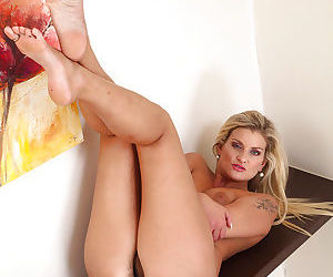 Mature blonde milf Samantha Snow with unshaved and horny vagina
