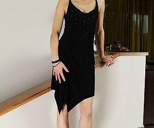 Slender brunette Halle B. is banging her lovely tight holes on cam
