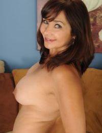 Mature wife Natasha Oliwski undresses for her first nude gig