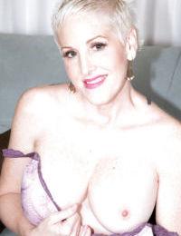 Slutty mature Kimber Phoenix provides amazing nudity details
