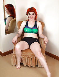 Hairy redhead teen girl Sara stretches her hairy pussy to the max