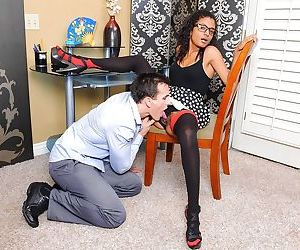 Ebony with fine curves Neela Sky hard pumped by white guy in hardcore