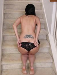 Dark haired amateur Nyla Parker decides the time is ripe to pose in the nude