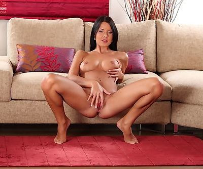 Busty amateur brunette Mia Manarote is a young girl with a lusty body