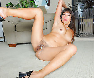 Asian amateur Sakura lei socking and receiving spoken carnal knowledge forth waxen supplicant