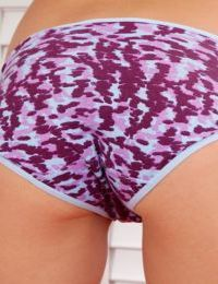 Amateur slut Chase Ryder is demonstrating her ass in hot panties on camera